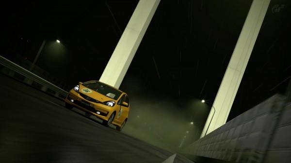 """最初の車""""ホンダ フィット RS '10""""をチューンナップすれば最初の方はガンガン1位をとれる"""